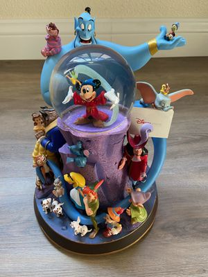 Wonderful World of Disney Snow globe - Perfect Disney Collector's Gift for Sale in Vallejo, CA
