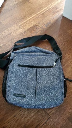 Eastsport crossbody for Sale in Parma, OH