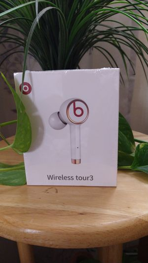 Wireless tour 3 beats earbuds. for Sale in MONTGOMRY VLG, MD