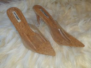 Beautiful Clear 4inch Heels size 10m for Sale in Charlotte, NC