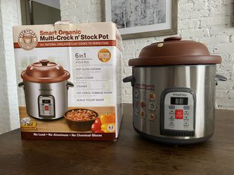 Vitaclay BTM 7800-5C smart organic clay multi-crocks an' stock pot. 6,5 quart. Stainless steel/black for Sale in New York,  NY