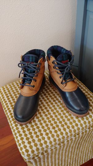 Womens Snow boots for Sale in Renton, WA