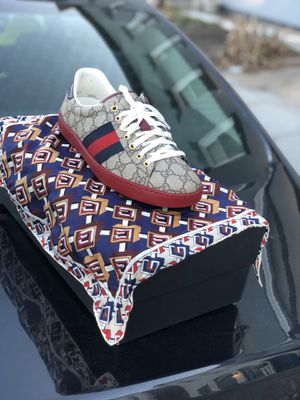 Gucci sneaks 9/2 with matching scarf.. for Sale in Washington, DC