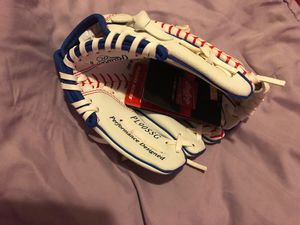 Rawling baseball/softball glove youth 3-5 for Sale in Obetz, OH