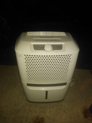 30 pint Frigidaire dehumidifier for Sale in Nottingham, MD