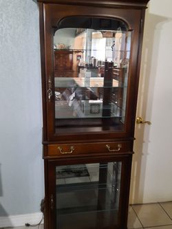Vintage China Cabinet for Sale in Anaheim,  CA