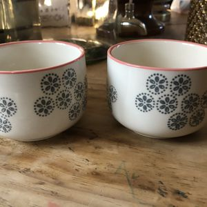 Nice Small Bowls- Would Be Great For Succulents/ Small Plants for Sale in Yorktown, VA