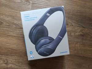 Samsung Level On Wireless Noise Canceling Headphones, Black Sapphire for Sale in Houston, TX