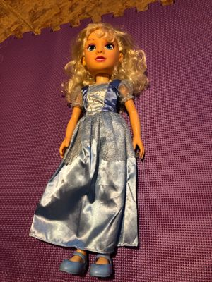 """17.5"""" Cinderella doll for Sale in Lilburn, GA"""