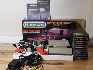 *TESTED, WORKING* Nintendo NES Action Set w/ 4 controllers, 1 zapper, box + more for Sale in Jetersville, VA