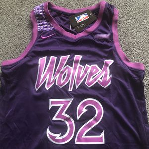 "NEW! Karl-Anthony Towns #32 Timberwolves Wolves ""City Edition"" Nike NBA Purple Prince Jersey Size X-Large (XL) Meet Now or Shipped! ☔️ for Sale in Minneapolis, MN"