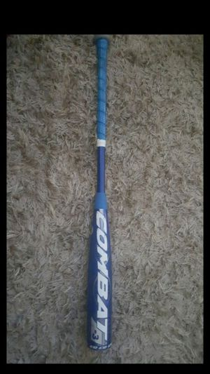 """Combat Wanted G3 - BBCOR Bat 33""""/30 oz (High school and College approved) Practically new, only used twice off a tee in the garage. for Sale in Claremont, CA"""