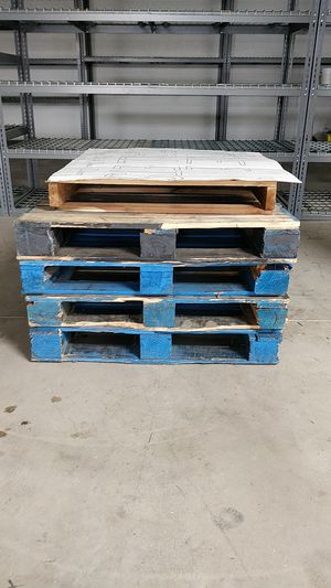 Pallets for Sale in Long Grove, IL