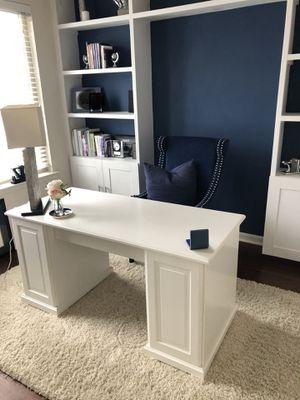 White office desk for Sale in Ashburn, VA