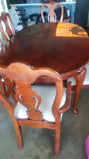 Dinning table for Sale in Garden Grove, CA
