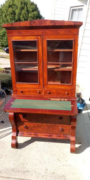 Two piece antique cabinet/desk for Sale in Powder Springs, GA