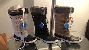 Snow boots for woman's sizes 7,8,9,10,11 NEW ! for Sale in Saint Johns, FL