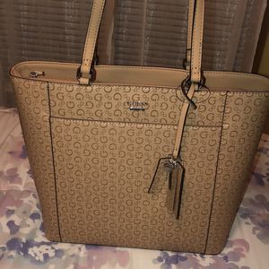 Guess bag (Brand New) for Sale in Revere, MA