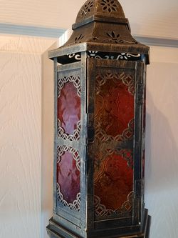 Very Pretty Ornate Glass And Metal Lantern for Sale in Franklin,  NJ