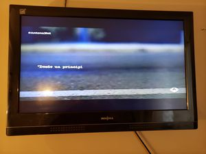 Tv plasma 32 used but in good condition brings dvd, tv plasma 32,usado pero en buena condicion trae dvd for Sale in Boston, MA