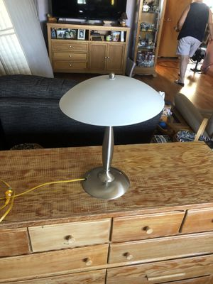 Side table lamp simple touch on touch off for Sale in Burien, WA