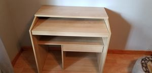 """Ikea Desk Natural Wood 31"""" wide 20"""" deep 31"""" tall for Sale in Miami, FL"""