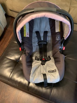 Girls Graco infant seat and base (not pictured) for Sale in Murfreesboro, TN