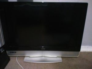 Non Smart TV Vizio 32 Inch For Sale No Remote for Sale in Orlando, FL