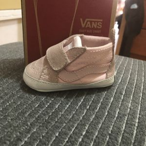 SK8-Hi crib chalk baby shoes for Sale in Brooklyn, NY