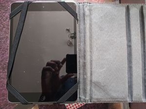 Apple ipad series 1 Wifi w/ cover for Sale in Detroit, MI