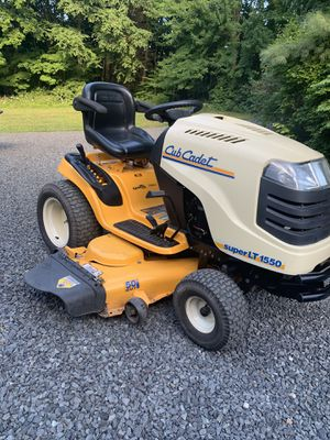 Cub Cadet Super LT1550 Mower Tractor for Sale in Southbury, CT