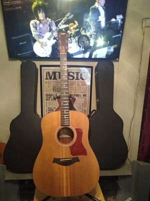 Taylor Acoustic Guitar. for Sale in Torrance, CA