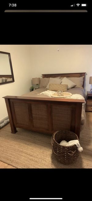 Queen Bed Set for Sale in Melbourne, FL