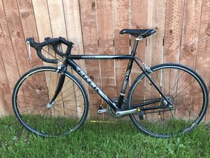 trek road bike for Sale in Lemon Grove, CA