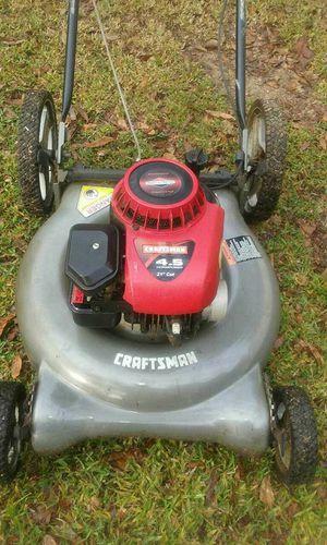 Craftsman high wheel lawn mower Briggs & Stratton runs good Cuts very good for Sale in Bartow, FL