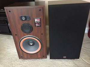 Cerwin - Vega RE Series 30 vintage speakers for Sale in Clarksburg, MD