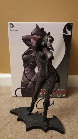 Catwoman Statue - Batman - Arkham City DC Collectibles for Sale in Passaic, NJ