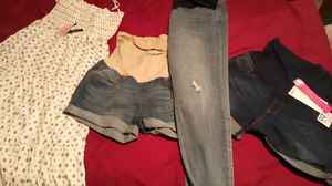 Maternity clothes for Sale in Wahneta, FL