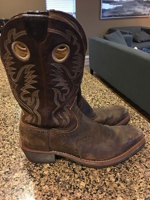 ARIAT Heritage Roughstock Western Boots for Sale in Lynnwood, WA
