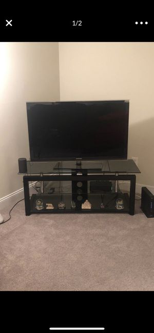 Samsung tv 55 inch with TV stand for Sale in Alexandria, VA