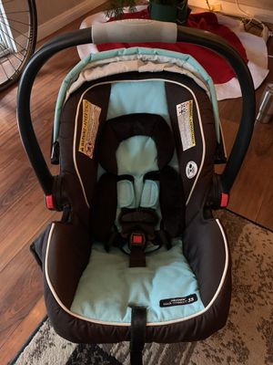 Graco Snug Ride 35 Car Seat- Click Connect for Sale in San Diego, CA