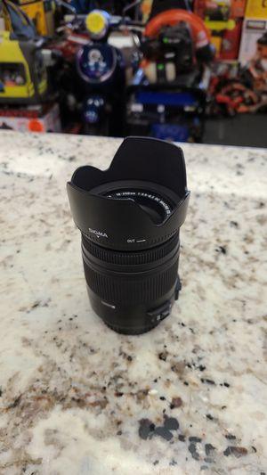 Sigma 18-255mm Lens for Canon for Sale in San Bernardino, CA