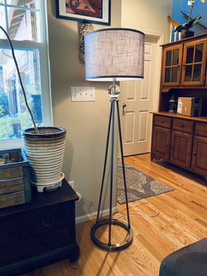Tripod Floor Lamp for Sale in Sammamish, WA