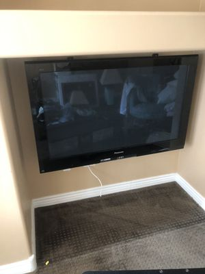 Panasonic tv with stand free for Sale in Phoenix, AZ