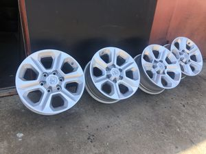 """Toyota rims wheels 17"""" factory for truck suv 6 lug bolt pattern 5.50 inch set of 4 for Sale in Dallas, TX"""