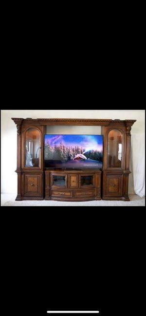 Fairmont Designs Grand Estates Entertainment Center w/ 2 Glass Cabinet Doors for Sale in Broken Arrow, OK