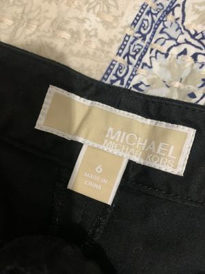 Michael kors size 6 black shorts $5 for Sale in Tampa, FL