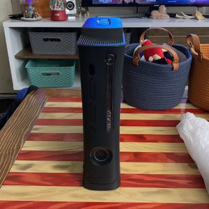 X Box 360 Elite With Games And Kinect for Sale in Phoenix, AZ