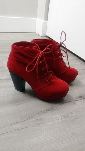 Size 8 1/2 womens booties for Sale in Fife, WA