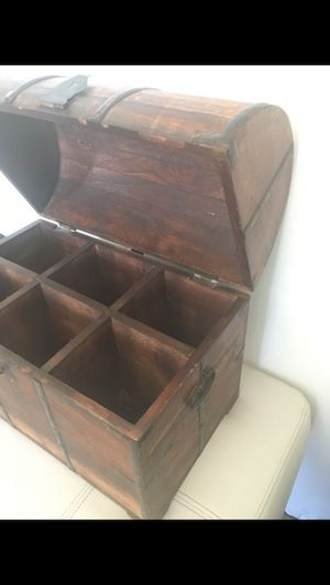 Antique Wine Box for Sale in Los Angeles, CA